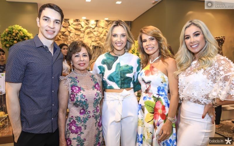 Andre e Tane Albuquerque, Rafaela Furlanetto, Maira e Priscila Silva