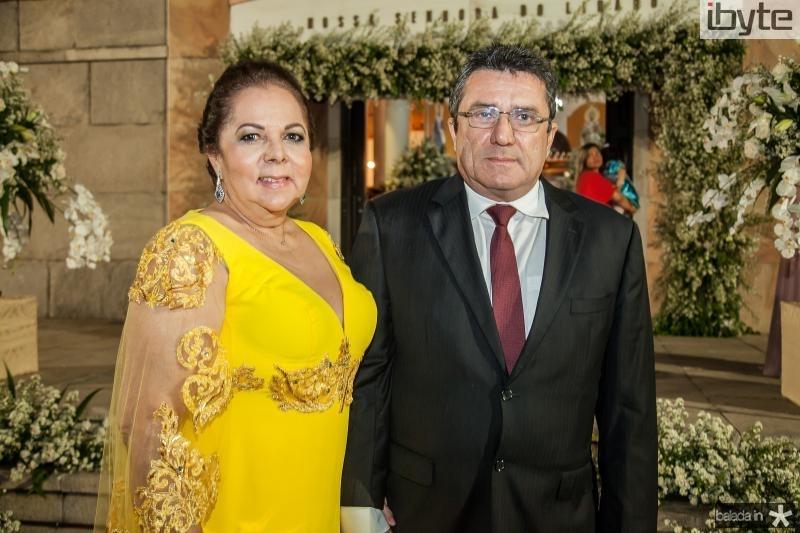Fernanda Laprovitera e Fernando Benevides