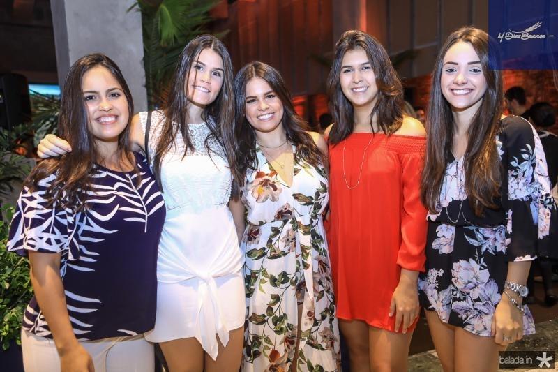 Marilia Ximenes, Beatriz Macedo, Leticia Studart, Camila Ribeiro e Bruna Shimidt