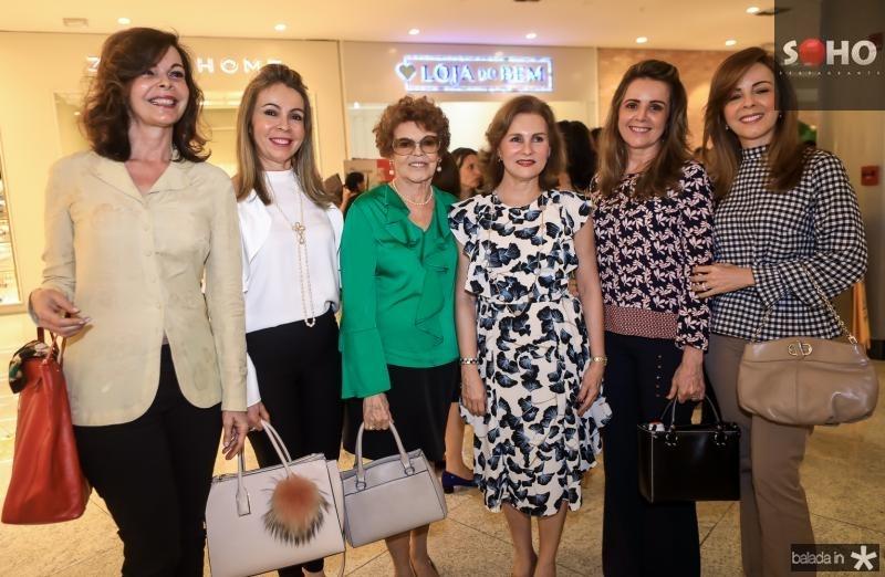 Glaucia Andrade, Venusia Ribeiro, Nilda Andrade, Renata Jereissati, Valeria Andrade e Karisia Ribeiro