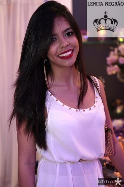 Leticia Moura