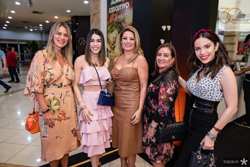 Marina da Fonte, Juliana Cordeiro, Tatiana Luna, Chris Leite e Nicole Vasconcelos