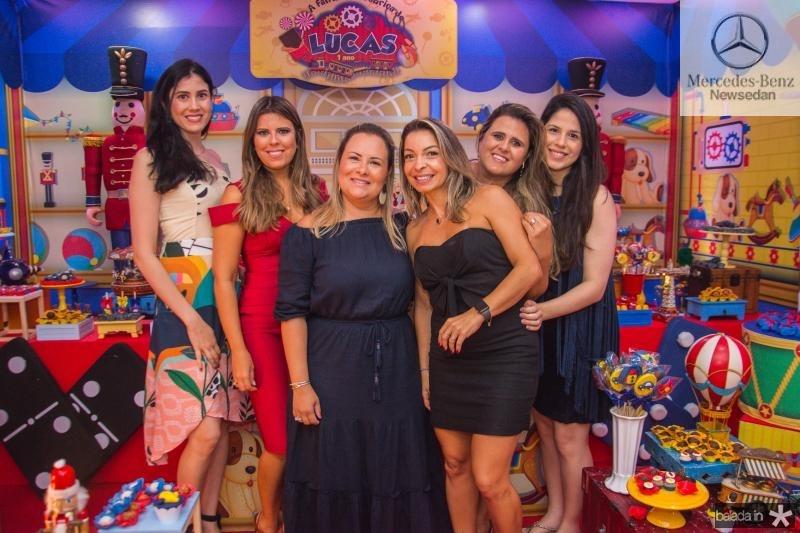 Milena Bastos, Marina Albuquerque, Thais Batos, Jamile Tigre, Camila Bastos e Maritza Bastos