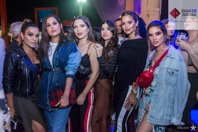 Diana Holanda, Bianca Dias, Ursula Andres, Themis Briand, Cris Moreira e Thais Petroni