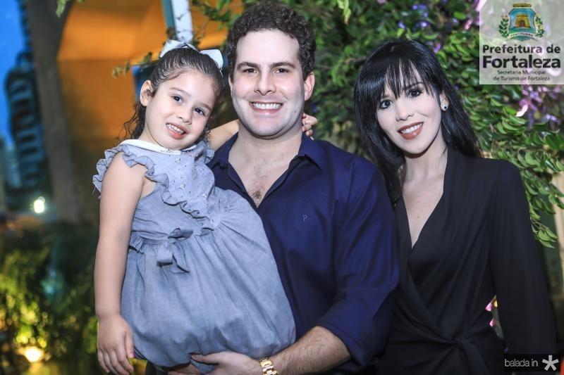 Maria Constanzi, Pedro e Ana Luiza Arrais
