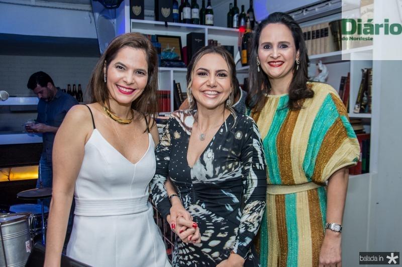 Cristiana Carneiro, Adriana Queiroz e Adriana Miranda