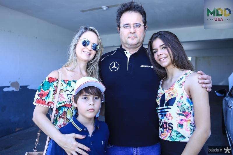 Eduardo, Luciana, Crisanto e Mirela Almeida