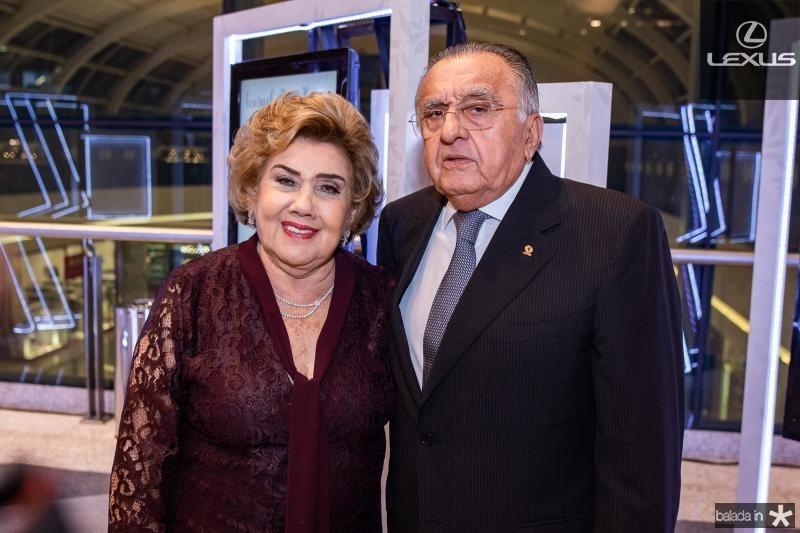 Consuelo Dias Branco e Jose Carlos Paes Mendonca