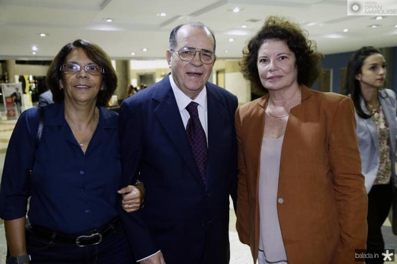 Fatima Goncalves, Regis Barroso e Valeria Serpa