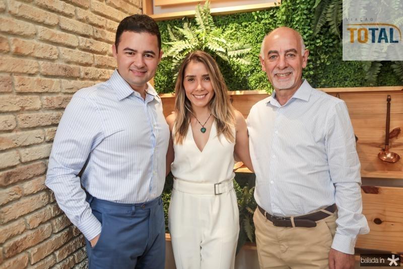 Luciano Brito, Nicole Benevides e Juan Carlos Picasso