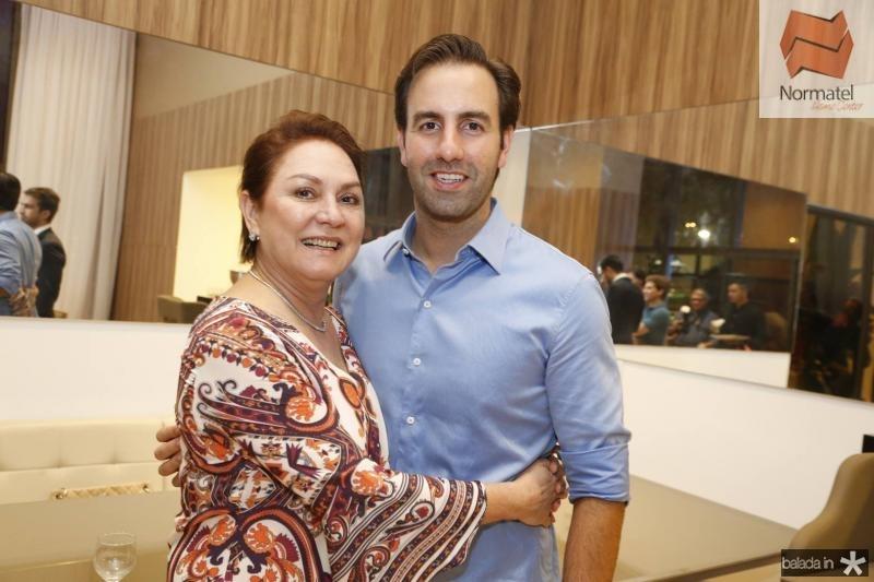 Paula e Vitor Frota