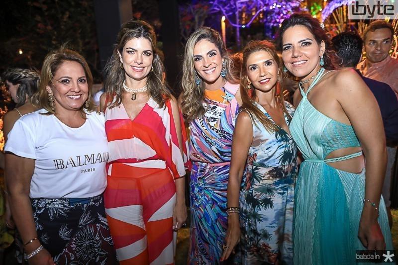 Liana Thomaz, Ines Castro, Mariana Marinho, Weine Moreira e Ana Carolina Fontenele