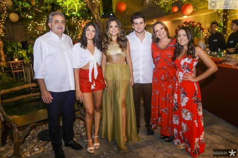 Paulo e Bianca Baquite, Fernanda Levy, Omar Macedo, Katia e Sophia Baquite