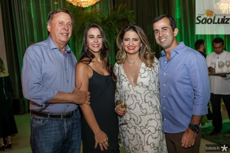 Jose e Vivian Simoes, Janaina e Felipe Mota
