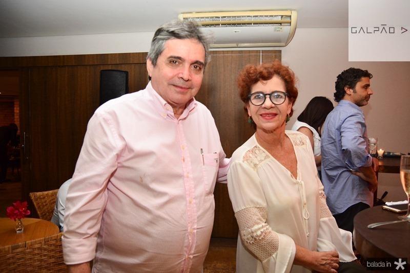 Totonho Laprovitera e Lilian Quindere