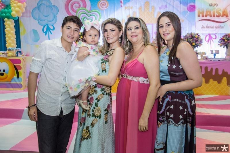 Enio Filho, Mirela, Elaine, Liana e Juliana Aragao