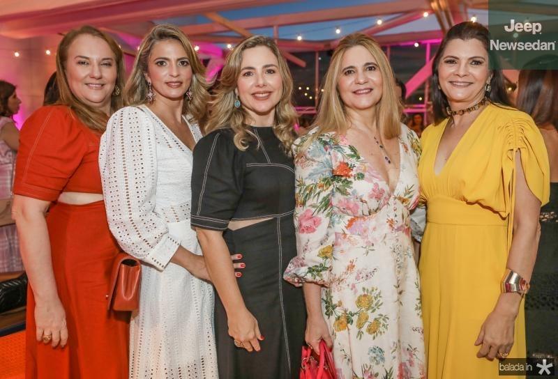 Luisiane Cavalcante, Michele Aragao, Suyane Dias Branco, Morgana Dias Branco e Liliana Farias