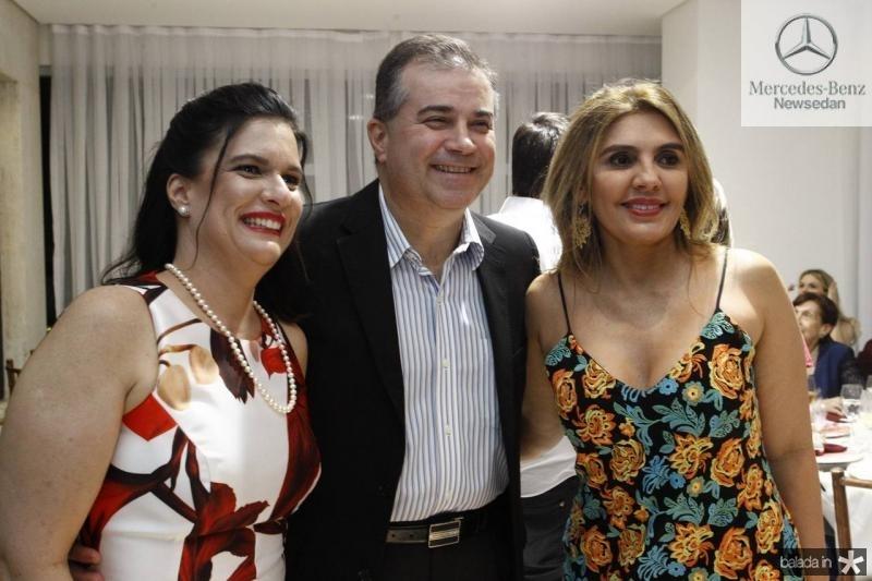 Jaqueline e Ricardo Bezerra e Renata Nogueira