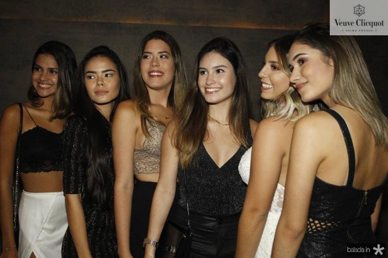 Natalia Caetano, Gabriela Fagundes, Lara Mesquita, Livia Arruda, Kauane Maia e Raquel Moreira