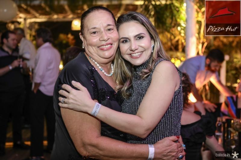 Xanoa Pascoa e Adriana Queiroz