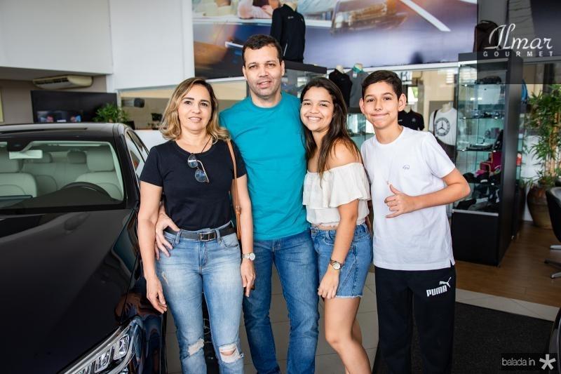 Elizabeth, Alexandre, Luana e Arthur Ferreira