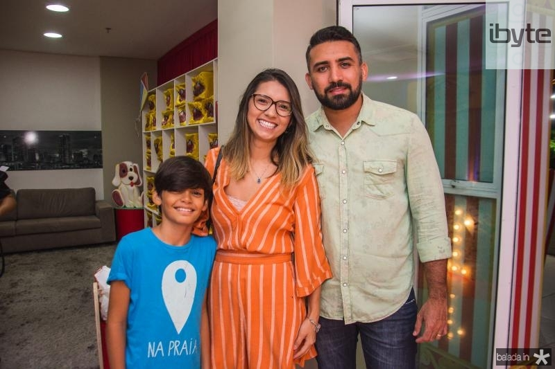 Guilherme Teodosio, Nira Teodosio e Tiago Araujo