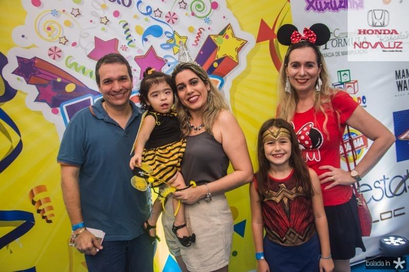 Rafael Aguiar, Gabriela Maia, Eveline Maia, Lais Maia e Aline Maia