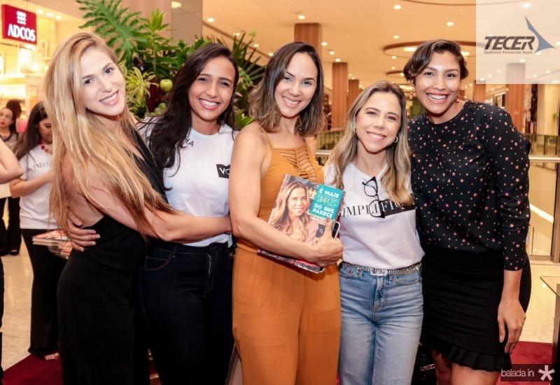 Nina Gruska, Amanda Maia, Paula Castelo, Mirella Rocha e Charlene Monteiro
