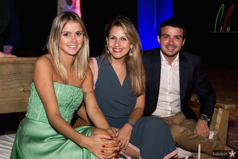 Ana Luiza de Almeida, Julia Abikair e Felipe Barros