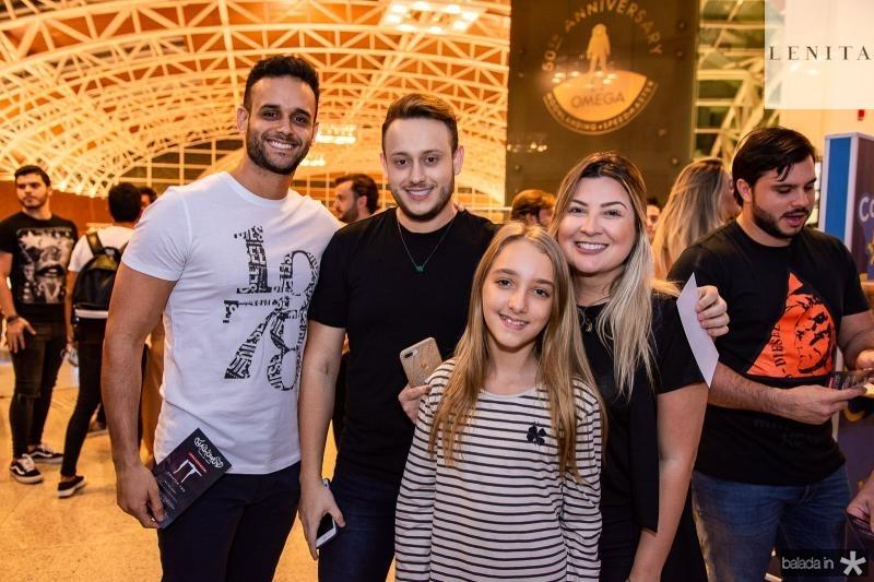 Manuel Veras, Matheus Oliveira, Maria Tereza e Laina Clucas