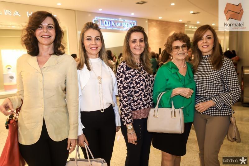 Glaucia Andrade, Venusia Ribeiro, Valeria Andrade, Nilda Andrade e Karisia Ribeiro