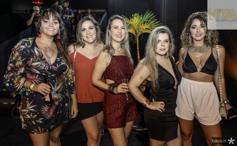 Katarina Azevedo, Debora Adeodato, Silvana Midoenz, Carolina Adeodato e Ana Reis