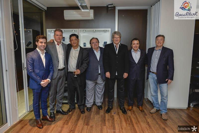 Guilherme Macedo, Andre Maia, Yim Lee, Monoel Macedo, Jose Paulo Emsenhuber, Henrique Pereto e Sergio