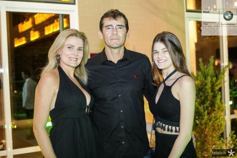 Aline, Cleber e Cecilia Macedo