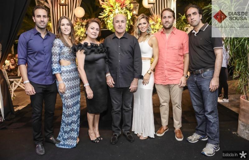 Vitor, Daniela, Paula e Silvio Frota, Bruna Waleska, Rodrigo e Thomaz Frota