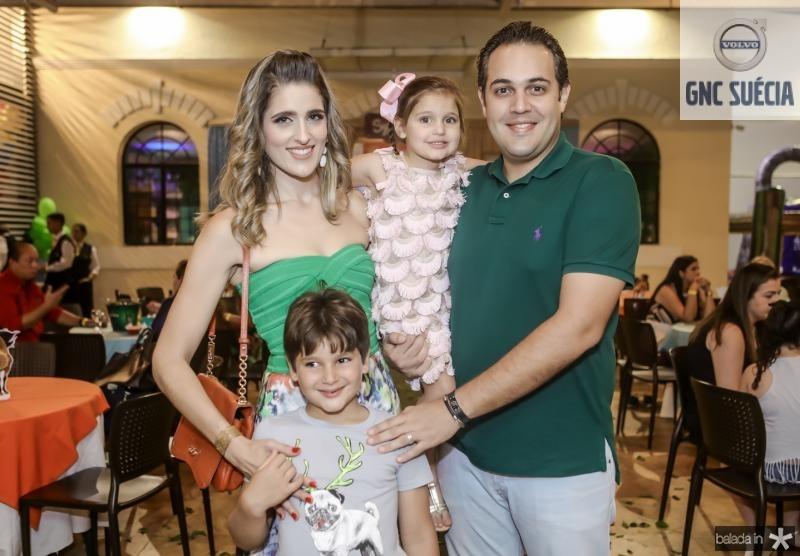 Rebeca, Henri, Athina e Bruno Bastos