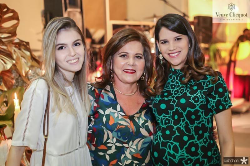 Lia Menezes, Ines Porto, Beatriz Camara