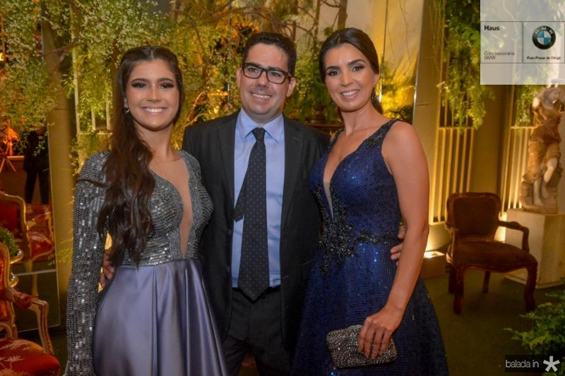 Nicole, Paulino e Erika Aguiar