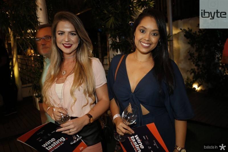 Juliana Medeiros e Franciene Souza 1