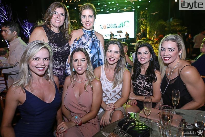 Elisa Miranda, Nara Amaral, Isabella e Ticiana Rolim, Paula Bezerra, Ivia Medeiros e Luana Vidal