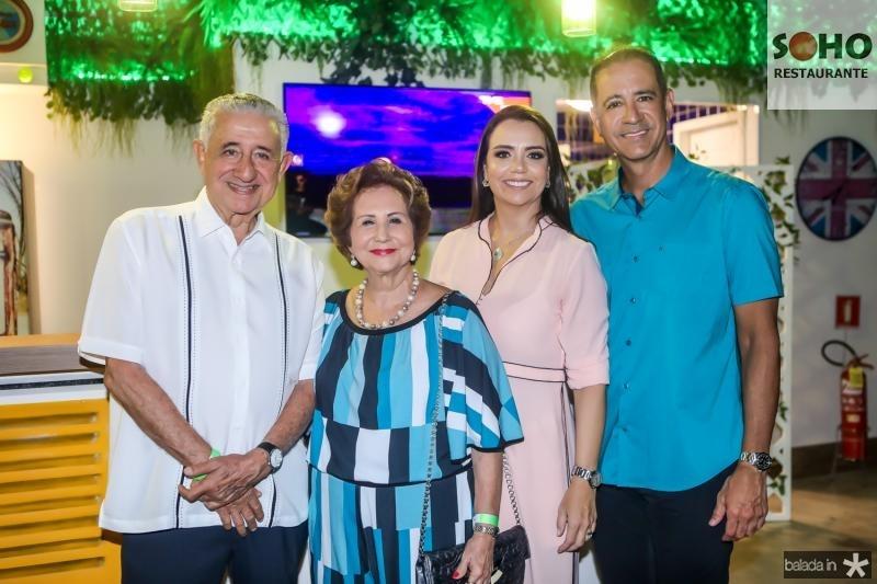 Mauricio, Lucia, Daniela e Regis Medeiros