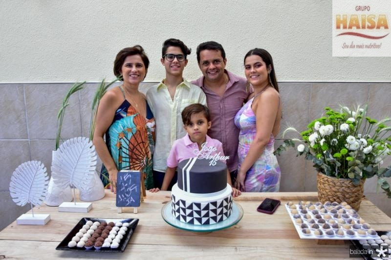 Micheline, Joao Arthur, Germano, Thais e Pedro Albuquerque