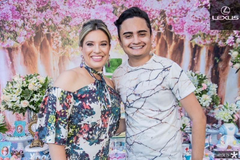 Ana Claudia Aguiar e Felipe Araujo