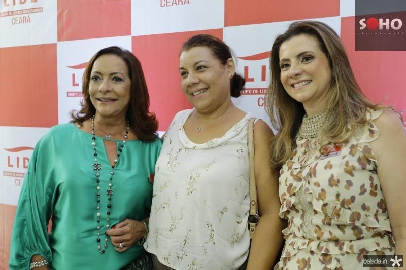 Sandra Costa, Cida Parente e Emilia Buarque