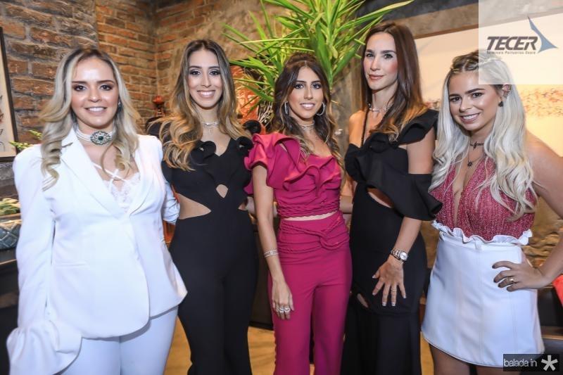 Carolina Aragao, Natalia Ximenes, Taira Romcy, Marcela Carvalho e Mariana Tavora