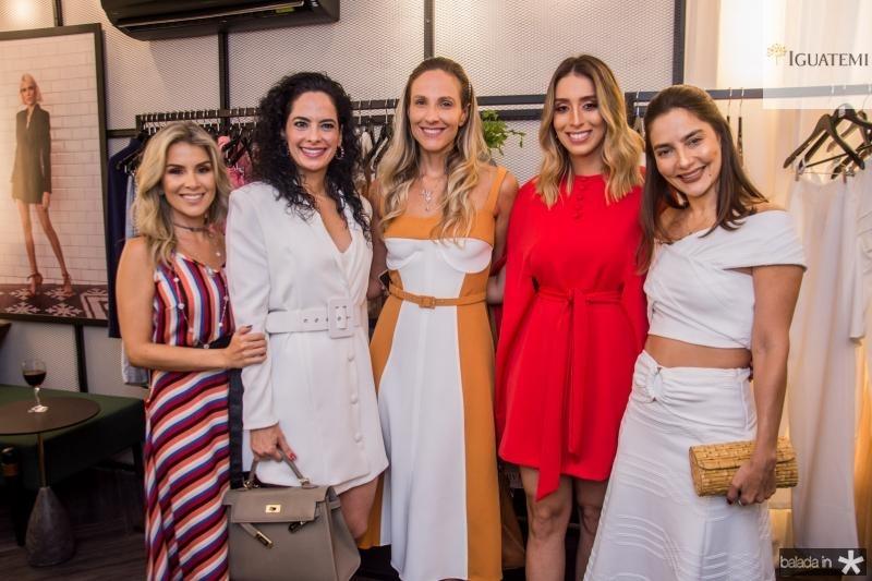 Roberta Quaranta, Luciana Fiuza, Amanda Medrado, Nathalia Ximenes e Lara Romcy
