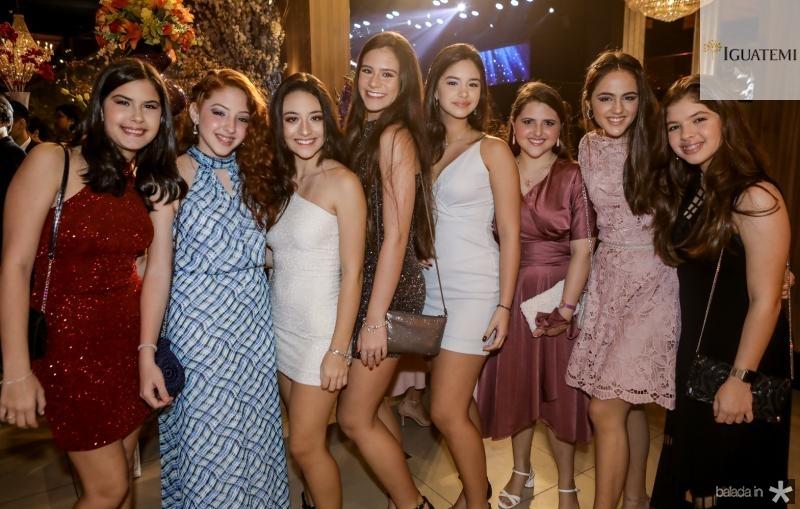Julia Fontinele, Isabel Nogueira, Fernanda Chastinet, Julia Cambraia, Clara Chastinet, Leticia Arrais, Maria Clara Ximenes e Lara Arrais