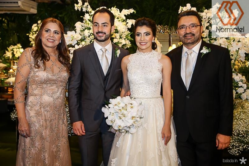 Divane Pontes, Felipe Barreira, Beatriz Pontes e Joao Tagera
