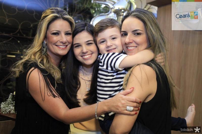 Tatiana Luna, Beatrice Vasconcelos, Erick Vasconcelos e Raquel Vasconcelos