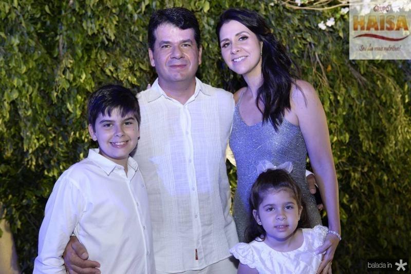 Guilherme, Beto, Fernanda e Marina Gradvohl.jpg